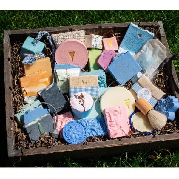 Feine handgemachte Seifenstücke online bestellen und in der Schloßapotheke abholen