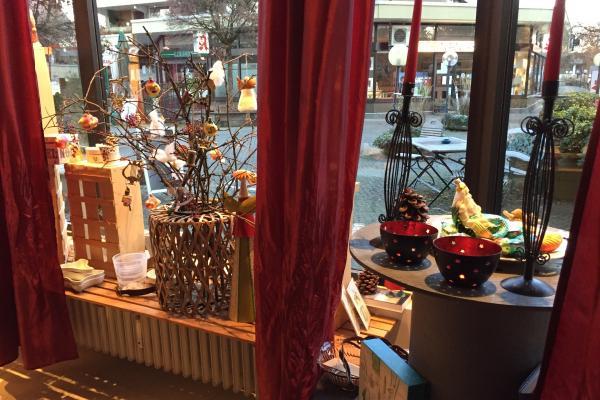 Schaufensterverkauf am Korbinianplatz
