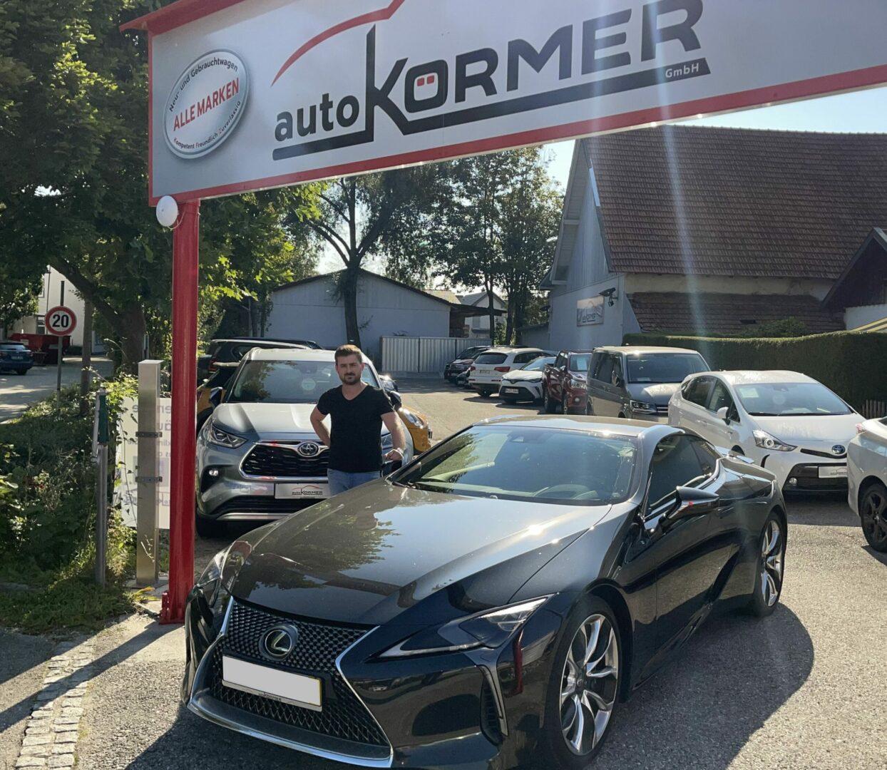 Wir gratulieren Herrn Burian zu seinem neuen Lexus LC 500.