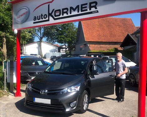 Wir gratulieren Herrn Eiblmeier zu seinem neuen Toyota Verso