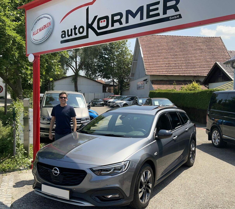 Wir gratulieren Herrn Pietsch zu seinem neuen Opel Insignia.
